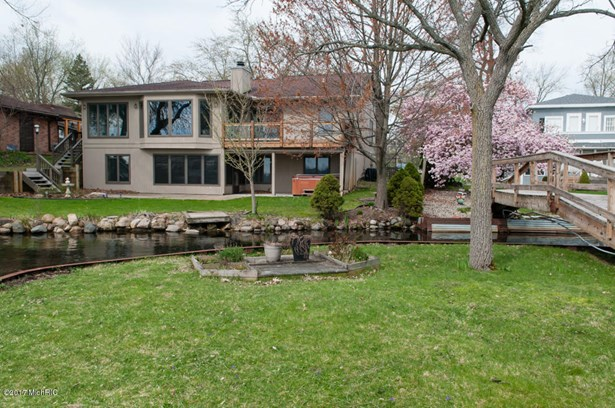 Single Family Residence, Ranch - Battle Creek, MI (photo 2)