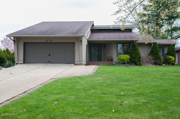 Single Family Residence, Ranch - Battle Creek, MI (photo 3)