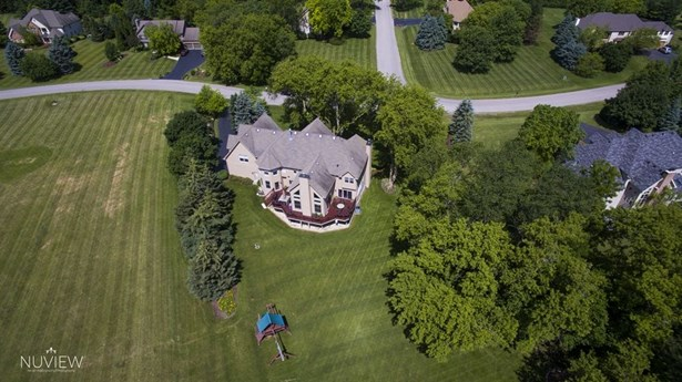 Traditional, Detached Single - Crystal Lake, IL (photo 3)