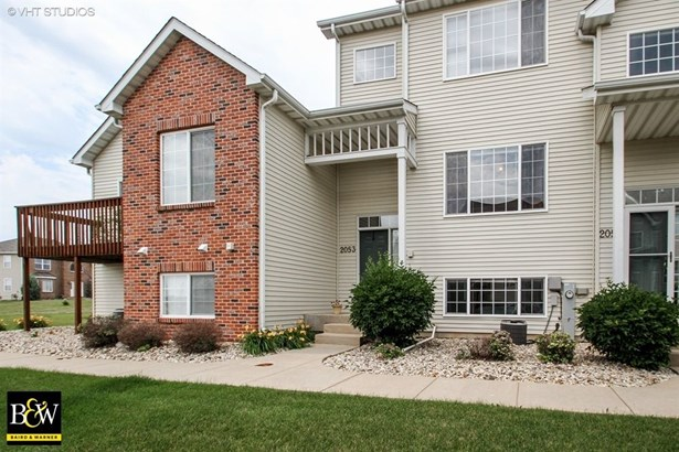 Condo - Belvidere, IL (photo 1)
