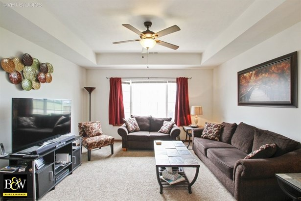 Condo - Belvidere, IL (photo 2)