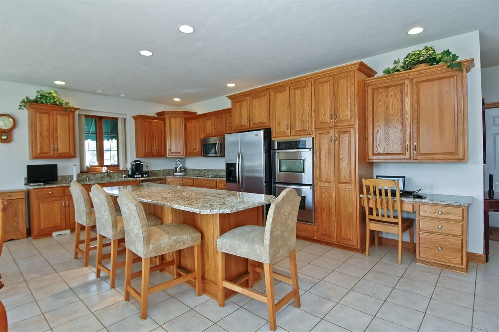 Ranch, Detached Single - Poplar Grove, IL (photo 5)