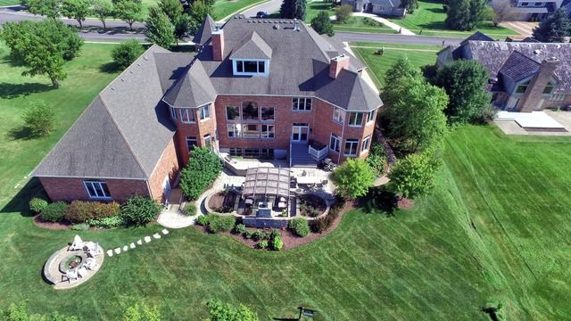 Traditional, Detached Single - Naperville, IL (photo 2)
