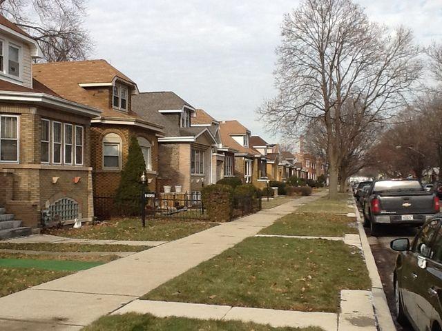 Bungalow, Detached Single - Chicago, IL (photo 2)