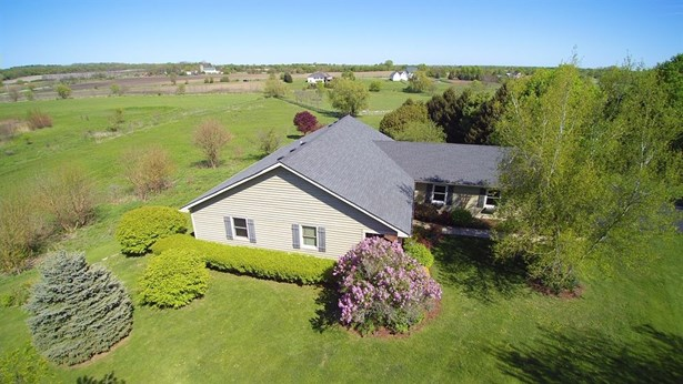 Ranch, Detached Single - Elburn, IL (photo 1)