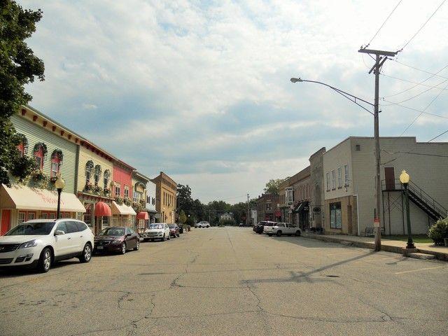 Farmhouse, Detached Single - Richmond, IL (photo 2)