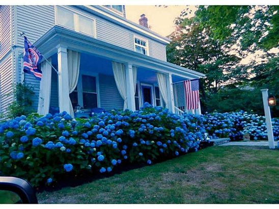 219 Gibbs Av, Newport, RI - USA (photo 1)