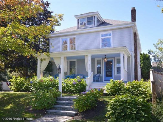 219 Gibbs Av, Newport, RI - USA (photo 2)