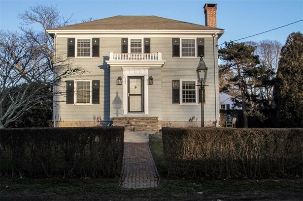 206 Coggeshall Av, Newport, RI - USA (photo 1)