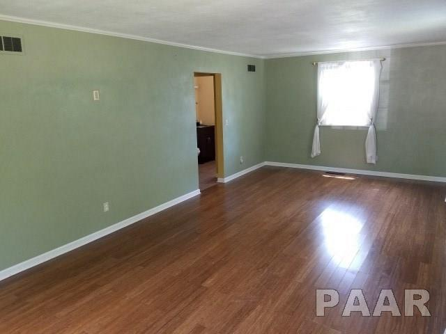 2 Story, Single Family - Pekin, IL (photo 2)