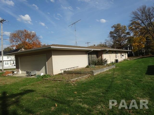 Ranch, Single Family - ELMWOOD, IL (photo 5)