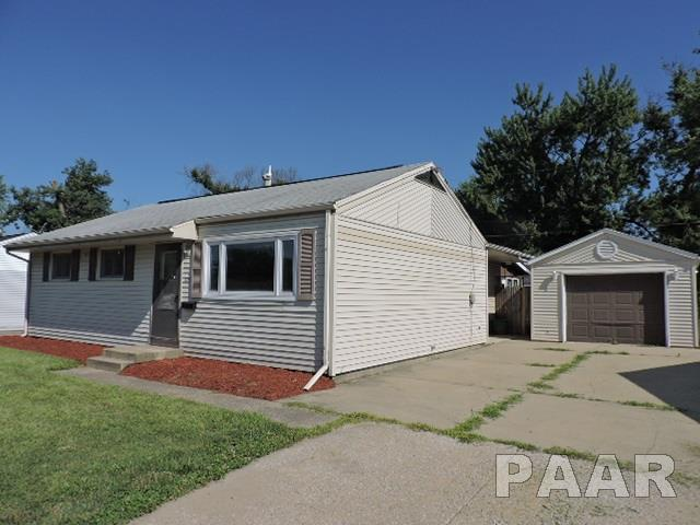 Ranch, Single Family - Marquette Heights, IL (photo 2)