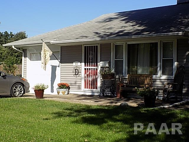 Ranch, Single Family - Pekin, IL (photo 4)