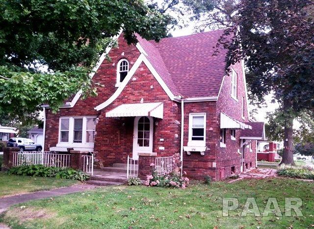 Bungalow, Single Family - Canton, IL (photo 1)