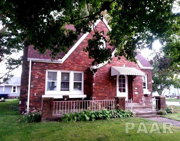 Bungalow, Single Family - Canton, IL (photo 2)
