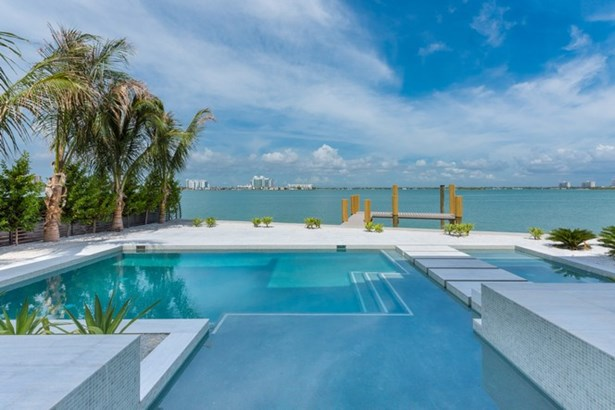2614 Biarritz Dr, Miami Beach, FL - USA (photo 3)