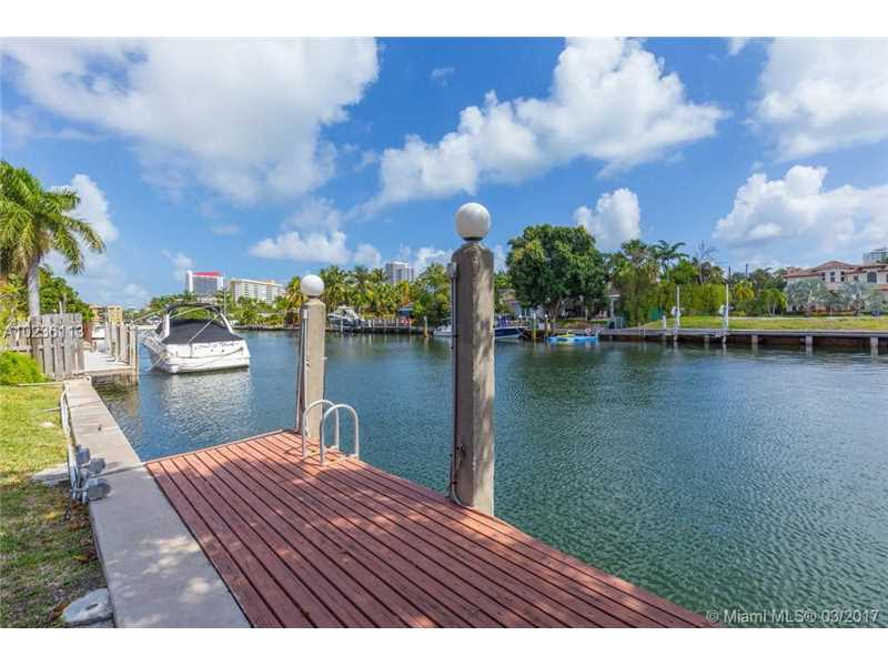 631 Oleander Drive, Hallandale, FL - USA (photo 3)