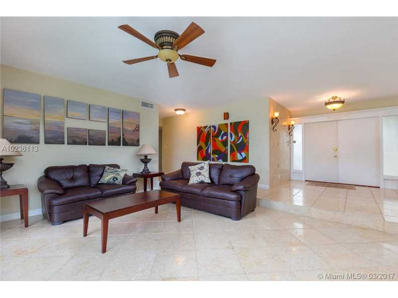 631 Oleander Drive, Hallandale, FL - USA (photo 5)