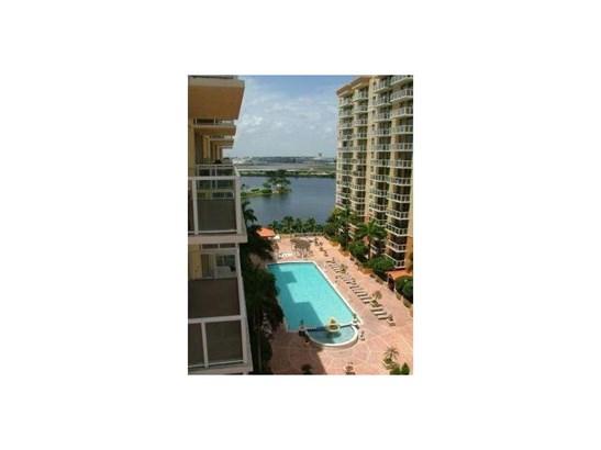 5077 Nw 7 St # Ts-15, Miami, FL - USA (photo 1)