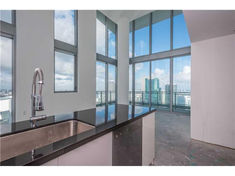 92 Sw 3rd St # 5209, Miami, FL - USA (photo 2)