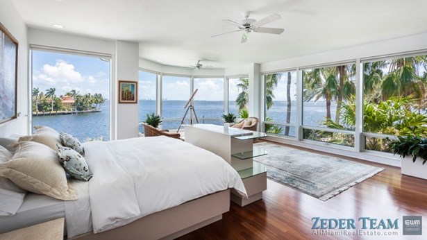 20 Tahiti Beach Island, Coral Gables, FL - USA (photo 5)