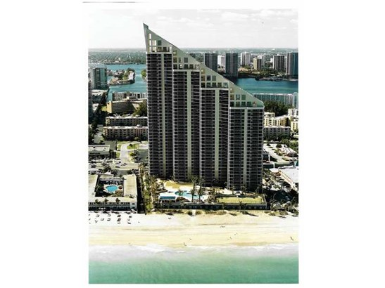 17555 Collins Ave # 601, Sunny Isles Beach, FL - USA (photo 1)