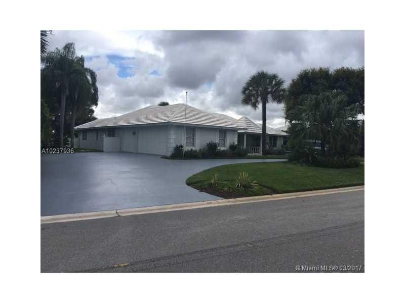 323 Glenbrook Dr, Atlantis, FL - USA (photo 2)