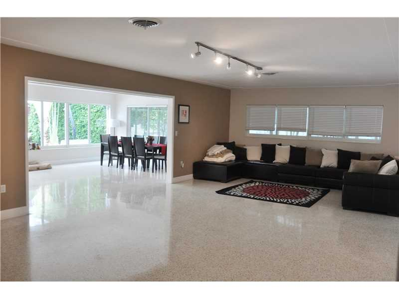 1445 Marseille Dr, Miami Beach, FL - USA (photo 2)