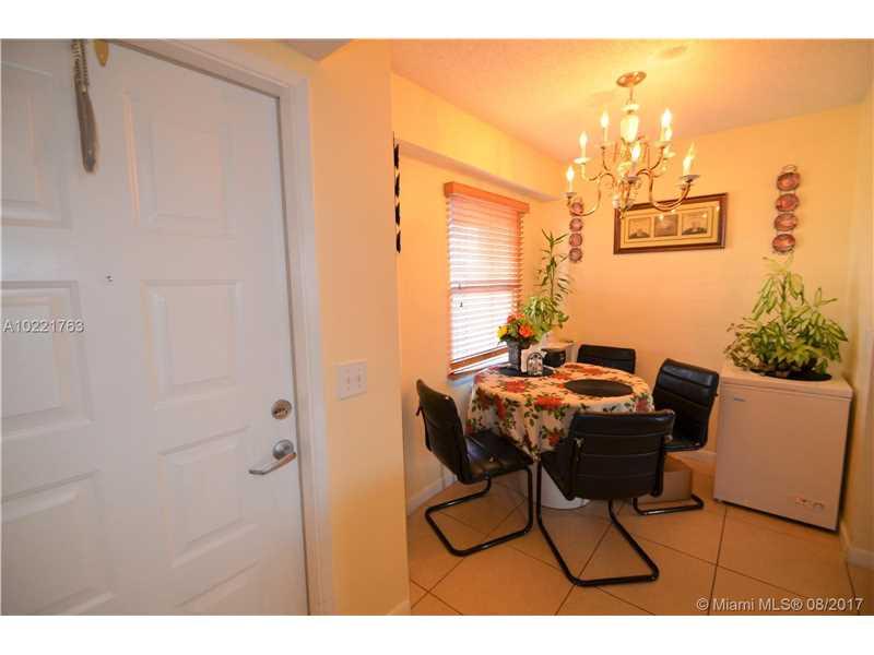 650 Sw 138th Ave # J409, Pembroke Pines, FL - USA (photo 5)