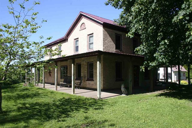 National Folk/Farm, 2 story - Edgerton, WI (photo 1)