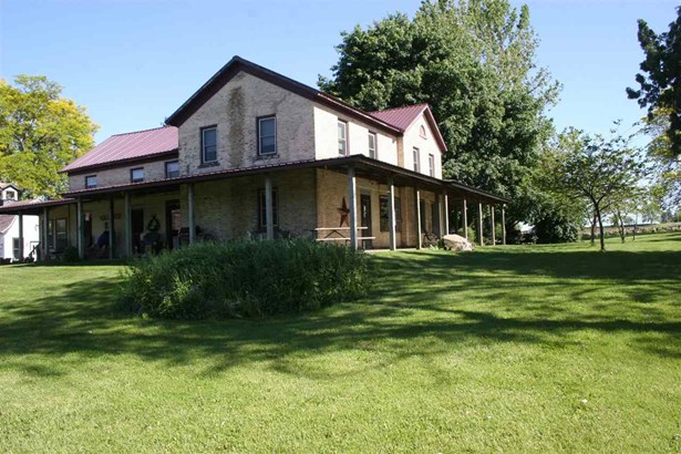 National Folk/Farm, 2 story - Edgerton, WI (photo 2)