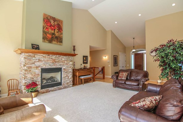 1 story, Ranch,Contemporary,Transitional - Middleton, WI (photo 4)
