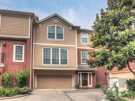 Popular Rice Military townhome with 2 bedrooms, open floor plan and location within walking distance of Memorial Park! (photo 1)