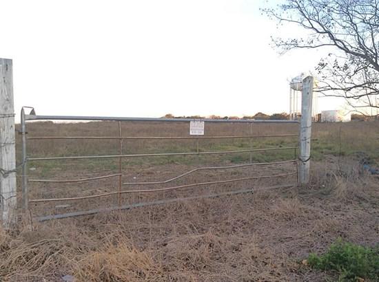 Cross Property - Texas City, TX (photo 3)