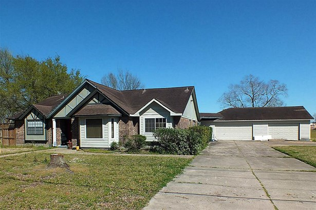 Traditional, Cross Property - League City, TX (photo 1)
