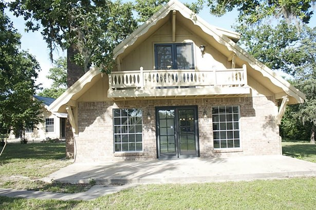 410 Sikes, Bellville, TX - USA (photo 2)