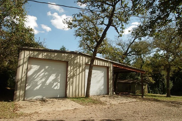 402 Sikes, Bellville, TX - USA (photo 3)