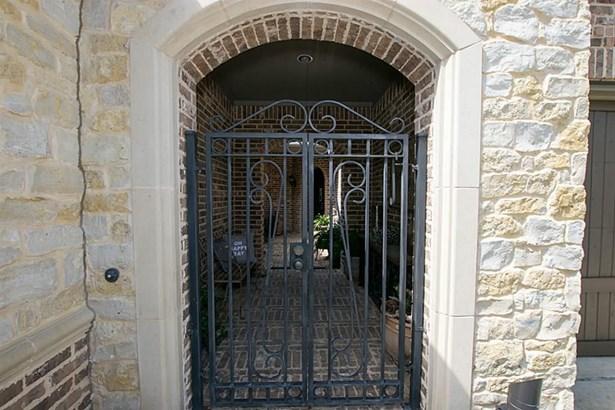 91 Wood Manor, The Woodlands, TX - USA (photo 3)