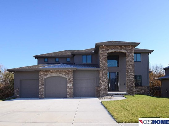 Detached Housing, 2 Story - Elkhorn, NE (photo 1)