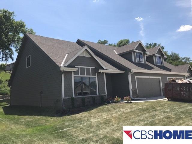 Attached Housing, 1.5 Story - Blair, NE (photo 2)