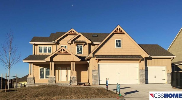 Detached Housing, 2 Story - Papillion, NE (photo 1)