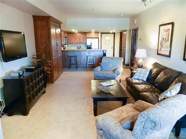 Location, Views, and Numerous Upgrades=Great Park City Opportunity (photo 4)