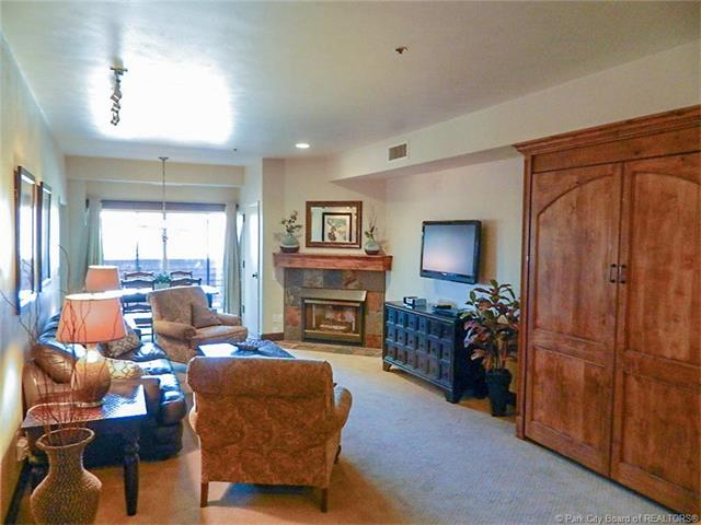 Location, Views, and Numerous Upgrades=Great Park City Opportunity (photo 5)