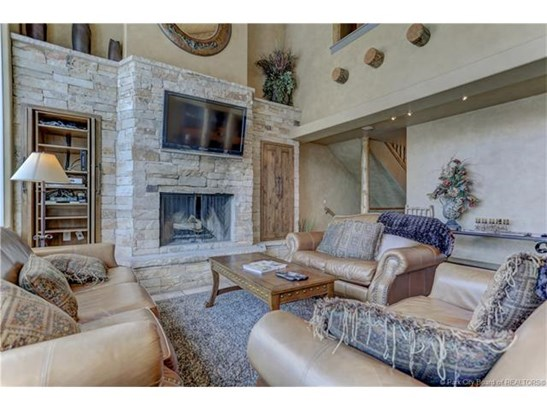 Amazing Upper Deer Valley Townhome with Beautiful Mountain Views! (photo 4)