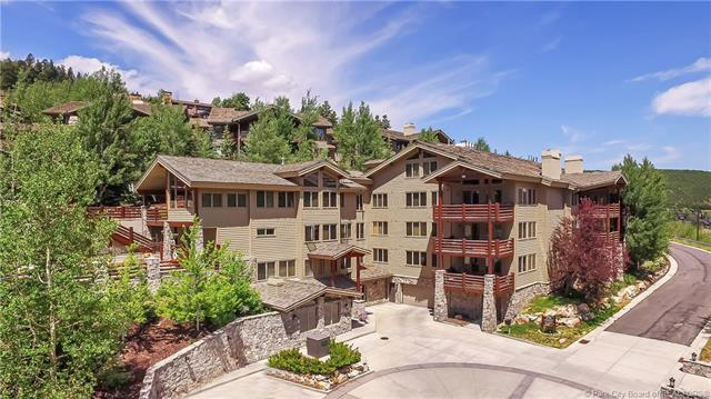 Watch the kids walk to ski school from this luxury Deer Valley ski condo! (photo 2)
