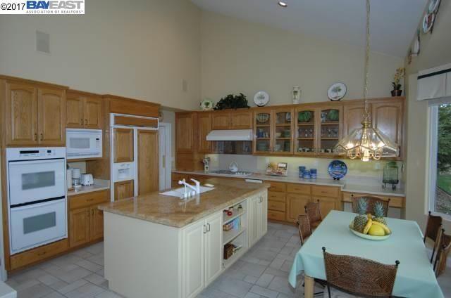 8335 Regency Drive, Pleasanton, CA - USA (photo 4)