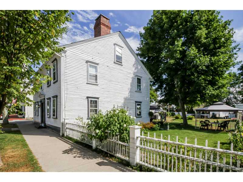 Colonial, Cross Property - North Kingstown, RI (photo 2)