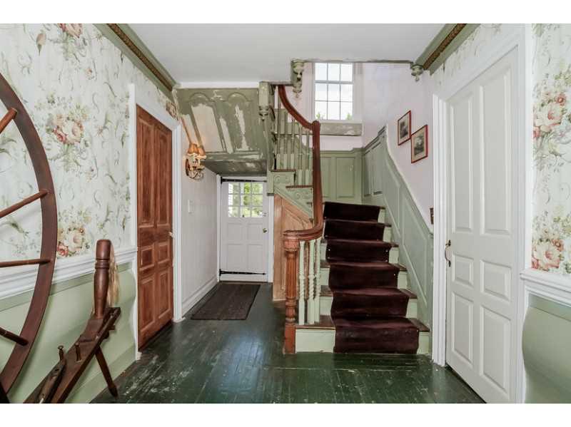 Colonial, Cross Property - North Kingstown, RI (photo 5)