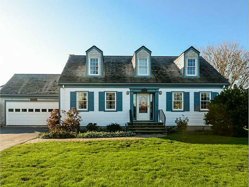 Cape Cod, Cross Property - Newport, RI (photo 1)