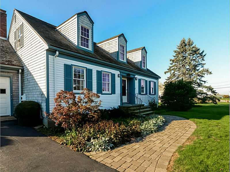 Cape Cod, Cross Property - Newport, RI (photo 2)